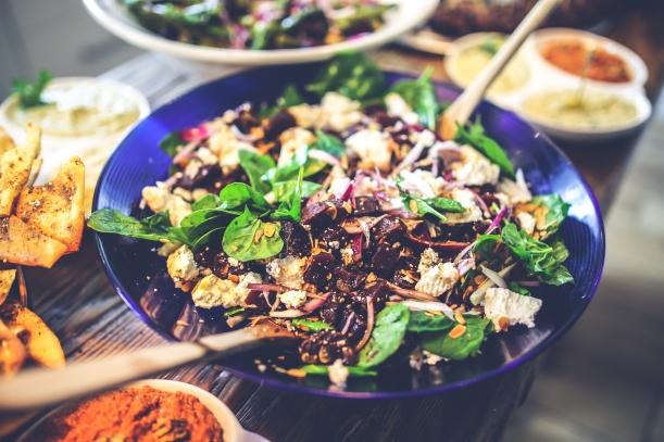 kaboompics.com_Spinach and Beetroot Salad